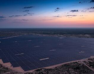 國家統計局:7月電力生產放緩 太陽能發電增長13.2%