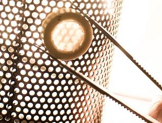 陶瓷焊接新方法:超快激光脉冲