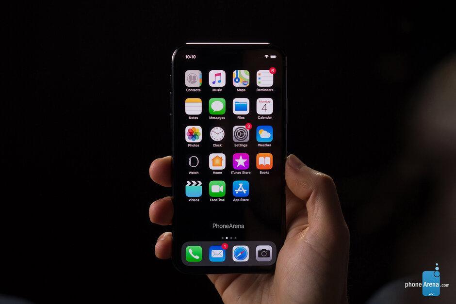 微信回应被下架:iOS终于要适配黑暗模式了