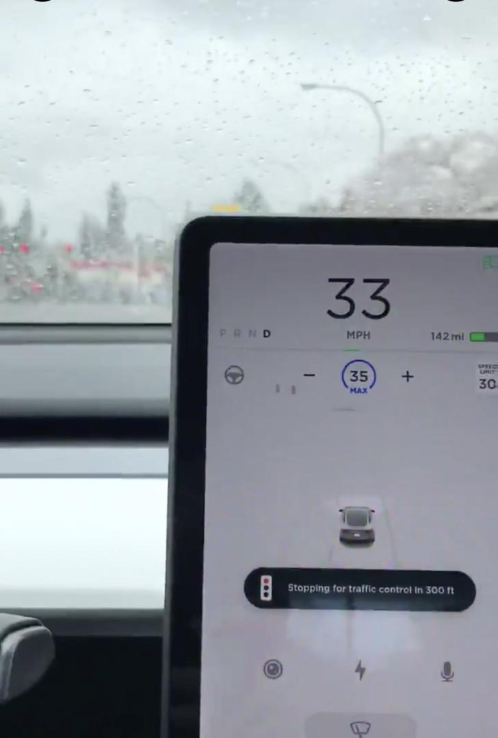 全自动驾驶指日可待?特斯拉 Autopilot 可识别交通信号