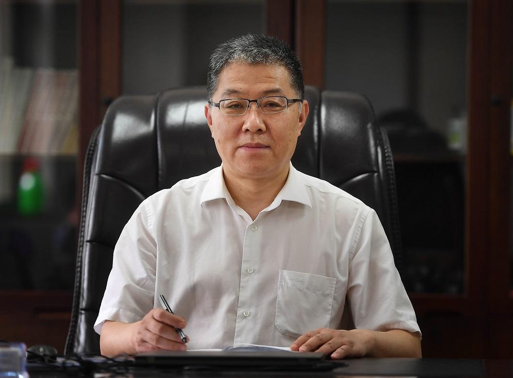 肖成峰:中国光电子产业探路者