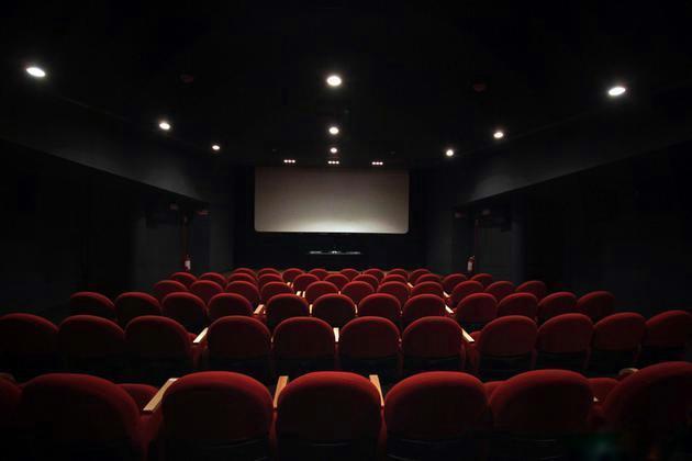 告别电影院,TCL 100X6C巨幕私人影院带你私享家庭影院
