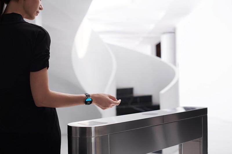 Zepp E 时尚智能手表发布:可穿戴设计美学的革新