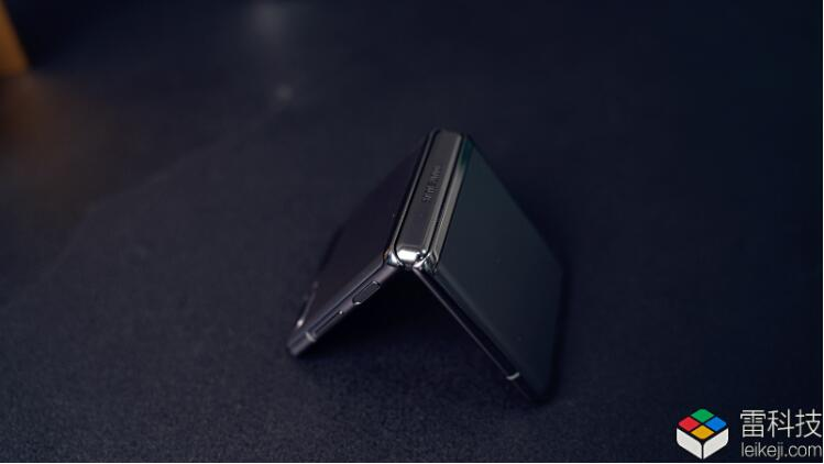 迷倒万千少女的秘密是什么?三星新款折叠屏手机评测来了