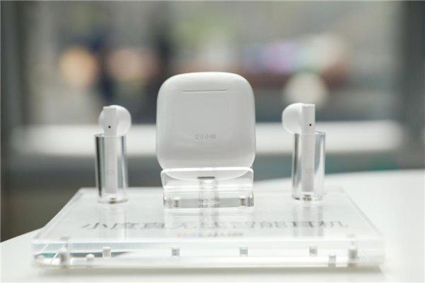 性价比之王小度真无线智能耳机震撼发布 随身 AI 智能助手仅需 199 元