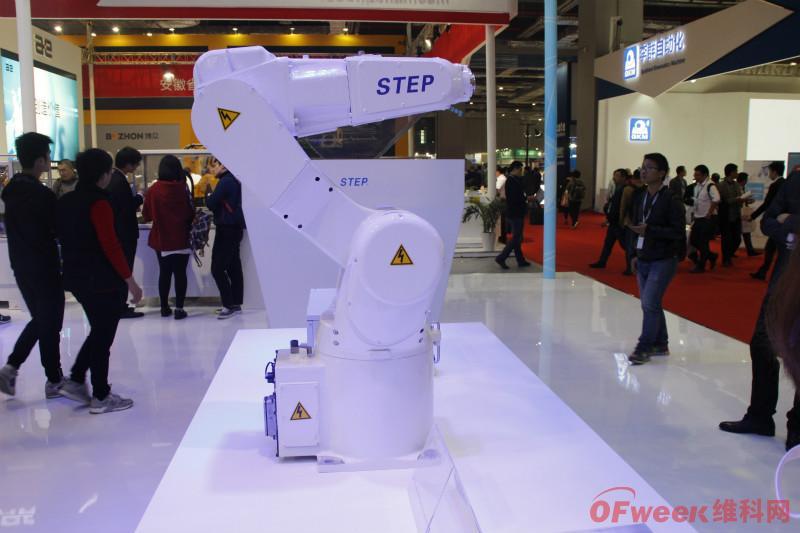 新时达又一万台工业机器人工厂投产!今年扩增产能已超2万台
