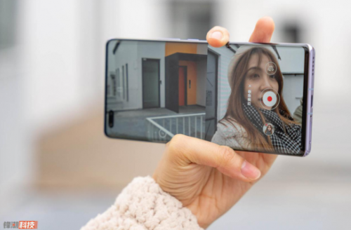 前置Vlog视频双镜头加持 华为nova8 Pro:手机也能拍摄专业Vlog