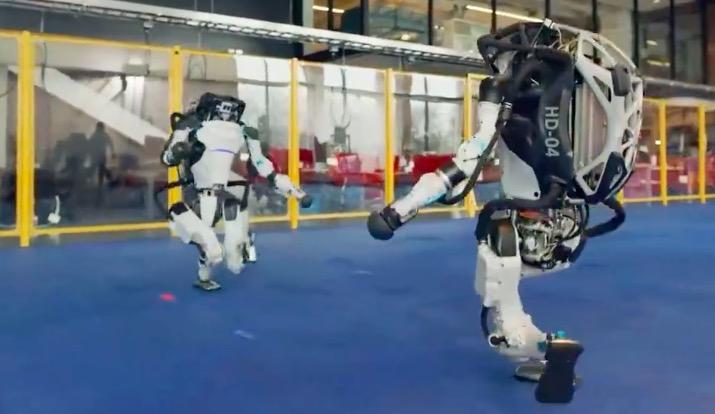 波士顿动力机器人组团跳舞:它是如何保持平衡?