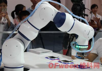 不只是替代人,机器人应用还带来了这些职位