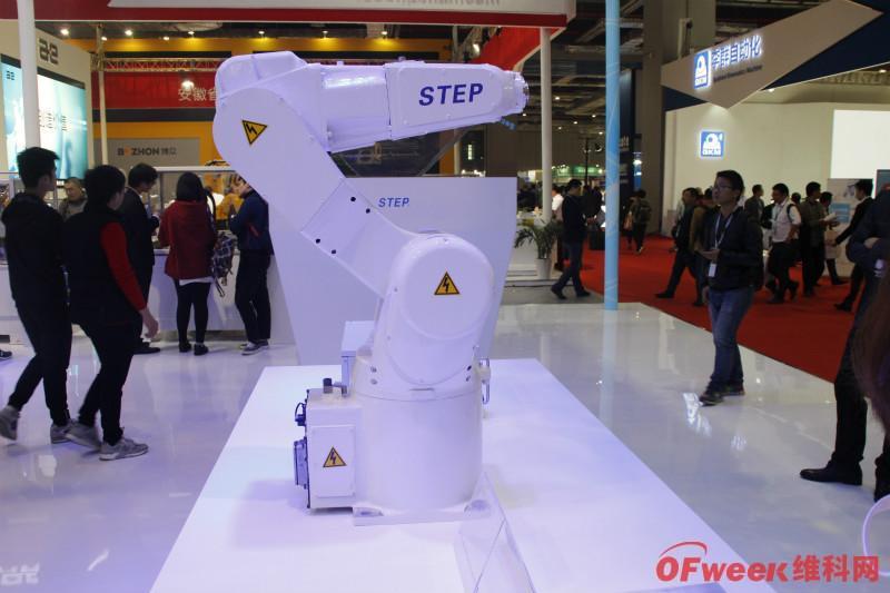 新时达工业机器人密度已达1080台/万人