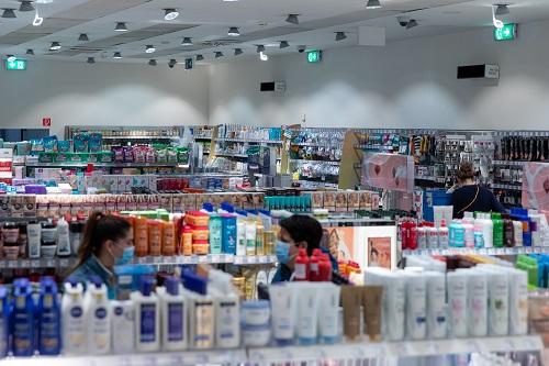 飞利浦UV-C紫外线消毒产品为连锁药妆超市DM的员工和顾客提供安全保障