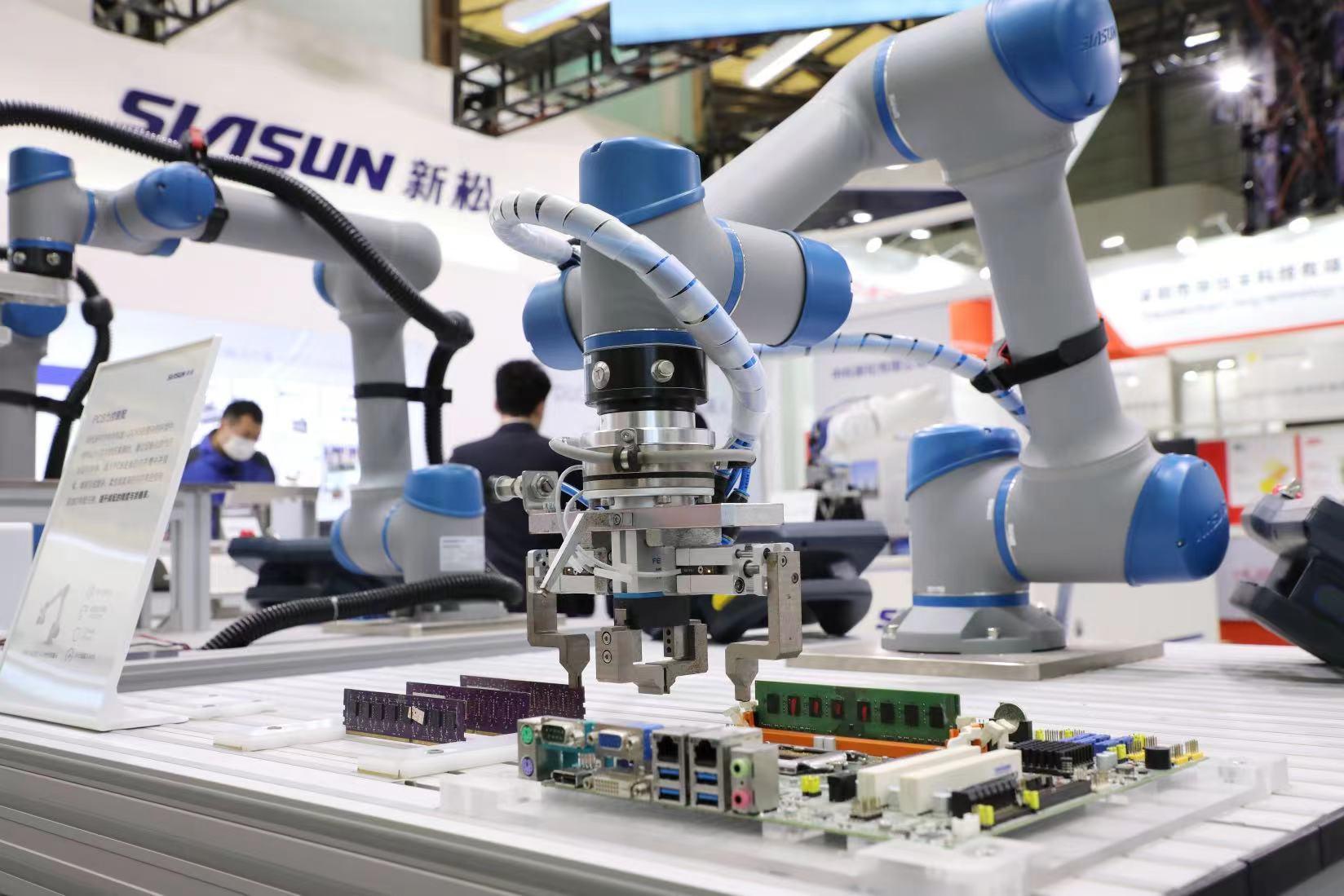 坚持自主创新,新松机器人积极构建产品生态