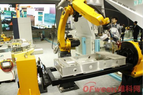 从工业机器人上下游到本体制造,行业标杆为国产化进程加速