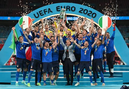 53年后意大利逆转夺冠! 海信激光电视欧洲杯冠军之夜见证历史