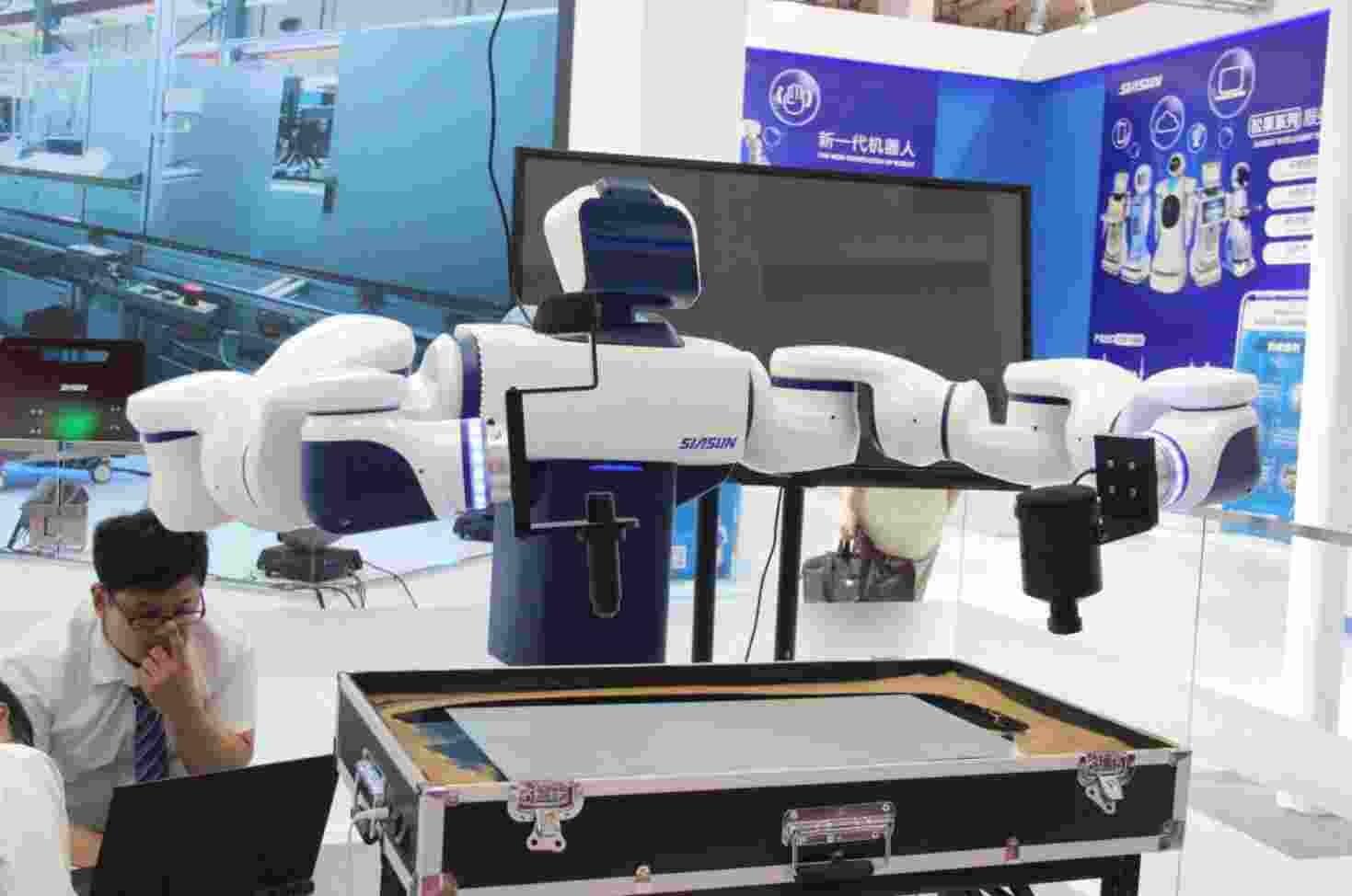 国内复合机器人首创者——新松