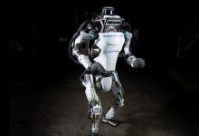 机器人后空翻跳跃旋转 协调性如何做到?