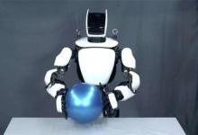 HTC Vive可控制丰田人形机器人
