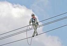 世界上80万伏特高压带电作业第一人