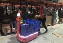 """AICRobo仓储运输机器人成""""网红""""拣货员"""