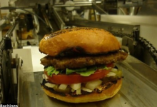机器人开快餐店 一分钟可做7个汉堡