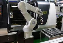 李克强考察秦川机床 鼓励造国产机器人