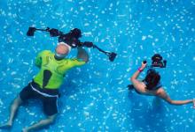 """旱鸭子的福音来了!水下机器人替你""""潜""""入水底拍摄"""