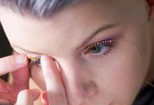 专家称LED假睫毛可能导致失明!
