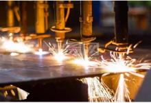 光纤激光切割机与二氧化碳激光切割机对比