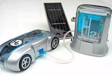 """氢燃料电池汽车开启""""军备竞赛"""" 这四家车企谁能先发制人?"""