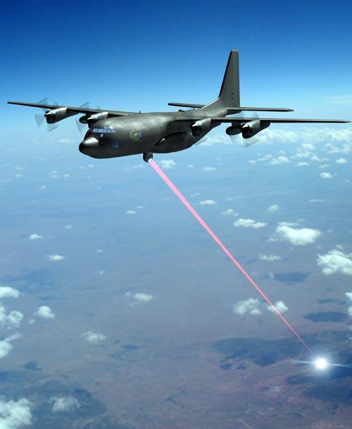 美军C-130激光载机攻击地面目标想象图