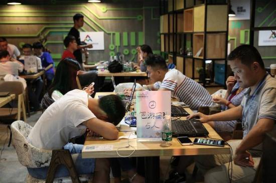 2016年全国双创周在深圳正式启动:基因测序技术炫目十足
