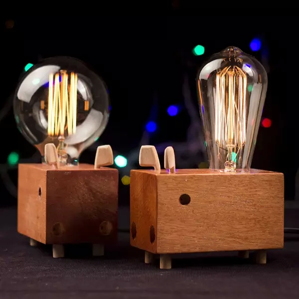 除了发光还能卖萌的灯具陪你过圣诞