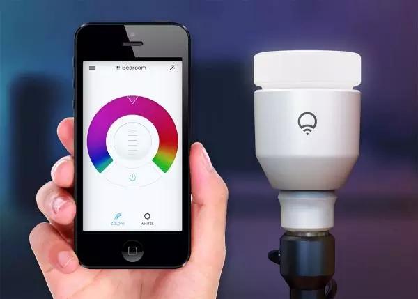 Lifx Color 1000评测分析:比飞利浦Hue灯泡更优秀