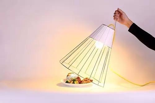 这些�L创意十足的LED照明灯具你见那男子一脸苦涩过吗
