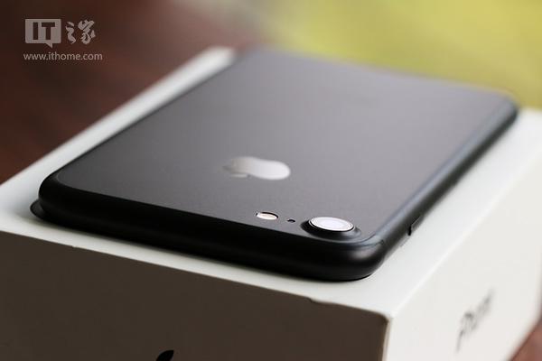 "iPhone7国行版评测:这次""黑""的很有内涵"