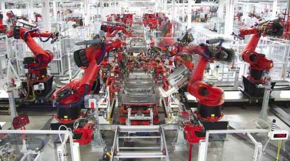 特斯拉公司超级工厂生产线