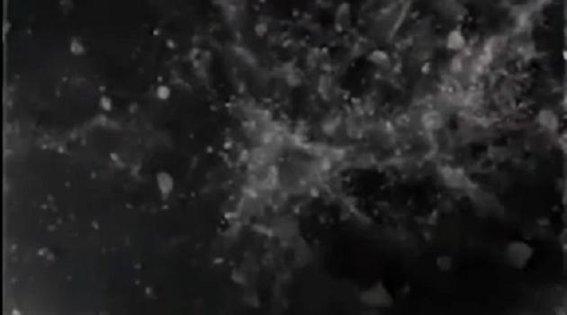 """特斯拉展示太阳能屋顶如何经受住冰雹""""炮弹""""的巨大冲击"""