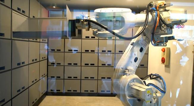 ABB IRB6700六轴工业机器人人存提行李