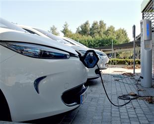 山东将新布局建设一批充电桩、加氢站