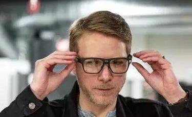 英特尔的智能眼镜Vaunt要卖给25亿人
