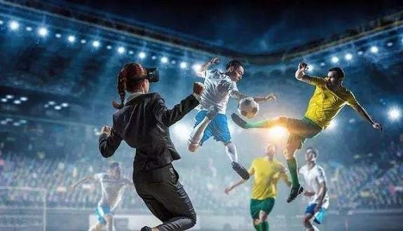 """2018世界杯,裁判戴""""VR"""",黑科技能消灭争议判罚吗?"""