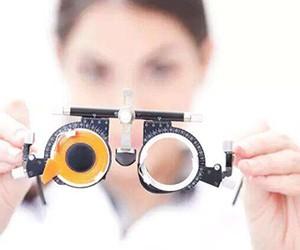你相信吗 无需手术也能永久治疗近视