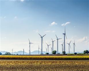 2016年美国风能平均建设成本持续下降