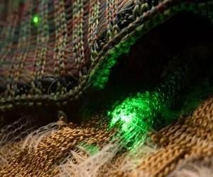 MIT可穿戴黑科技:电子设备编织衣服