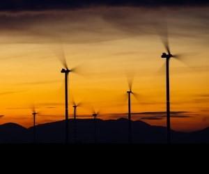 """龙源电力前三季度表现欠佳:""""全球最大风电运营商""""能否重回巅峰?"""