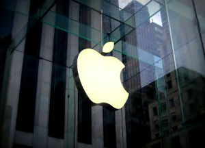 苹果或2022年推AR头显,十年内替代iPhone需求