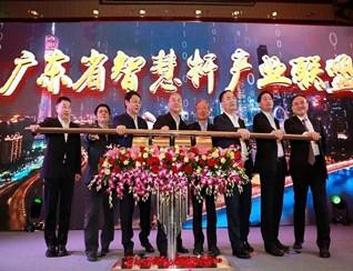 """铁塔""""广东模式"""":智慧杆能给5G建设省多少钱?"""