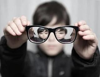 对抗近视,OK镜OK吗?