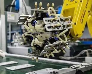 3C领域持续发力 工业机器人潜在市场空间巨大