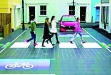 智能人行横道:斑马线与红绿灯结合的LED面板